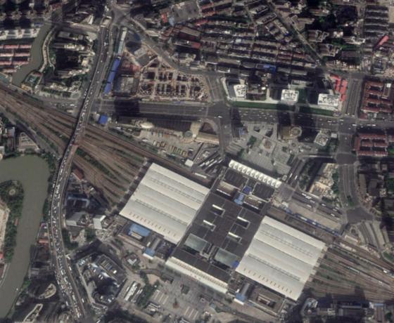上海駅北口2019年.png